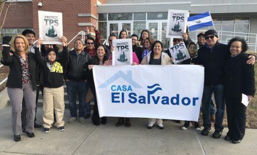 """Ayudan a """"tepesianos"""" con renovaciones y apoyo legal"""