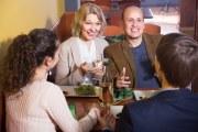 Gente en un restaurante