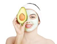 ¿Qué tan saludable es usar una mascarilla de aguacate en la piel?
