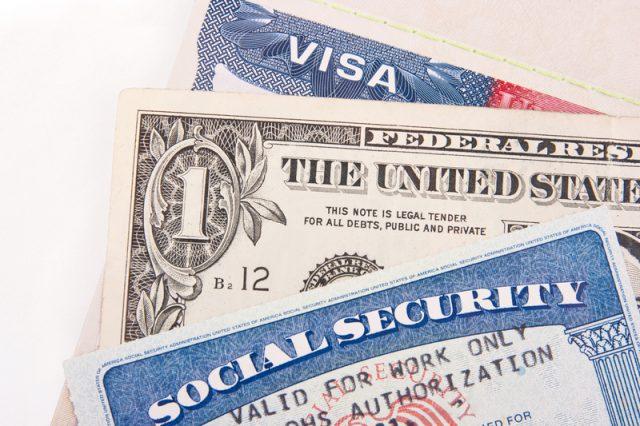Inmigración amplia formas de pago para trámites en oficina de Raleigh