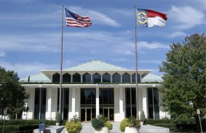 Interceden ante legisladores para detener proyecto de ley antiinmigrante
