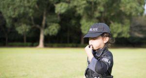 Programa une lazos de apoyo entre la policía y la comunidad