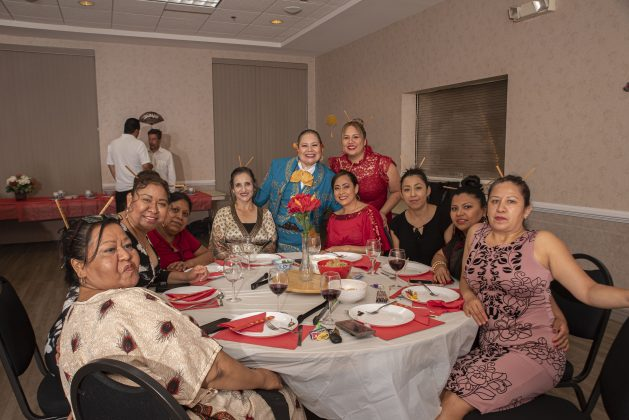 Rinden homenaje a madres del Grupo Esperanza de Vida