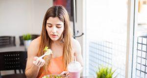 Una buena ensalada se puede arruinar con un aderezo poco saludable