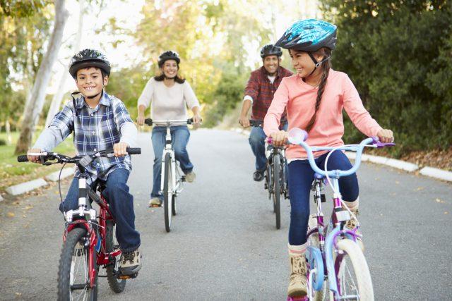 Seis ideas para evitar que los niños ganen mucho peso durante el verano