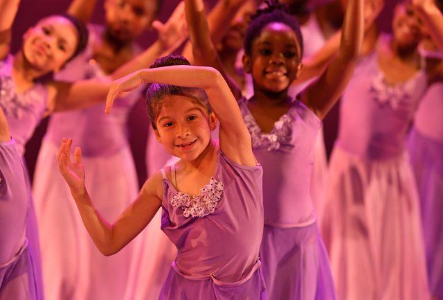 Programa de becas de ballet en Charlotte realiza audiciones para niñas y niños de 7 a 10 años