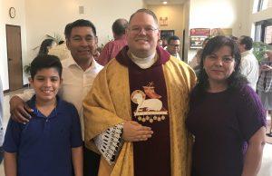 Una fe en dos idiomas: Conozca al líder detrás de la activa congregación de la iglesia Nuestra Señora de Lourdes en Monroe