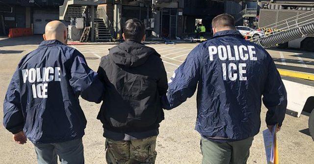 Casi la mitad de inmigrantes arrestados en las Carolinas no tenía antecedentes criminales