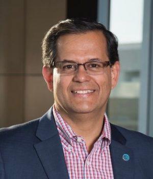 Latino forma parte de la Junta de Directores de la UNC Charlotte