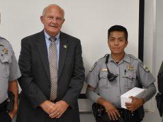 Alguacil reconoce labor heroica de oficial latino