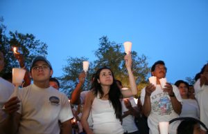 Invitan a vigilia contra los campos de detención de inmigrantes