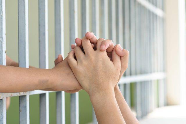 Fiscal General de Carolina del Norte insiste que se proteja a los niños inmigrantes