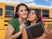 Ideas para estar seguros en el autobús escolar, en el auto, o si camina a la escuela