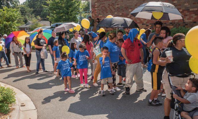la sexta Feria de Regreso a la Escuela de Latorre Law