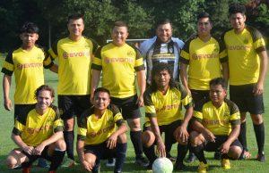 Se juega una intensa jornada en el fútbol dominical
