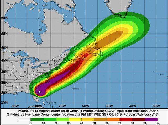 Huracán Dorian se acerca a las Carolinas con fuertes vientos