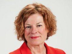 Mary-Ann Baldwin gana apretada elección por la alcaldía de Raleigh