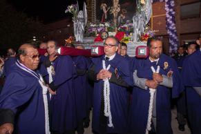 Realizan tradicional procesión del Señor de los Milagros en Charlotte