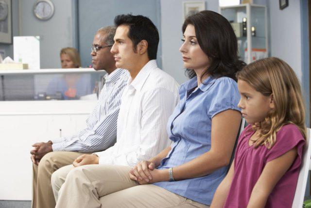 ¿En qué hospitales de Carolina del Norte pasará más horas esperando en la sala de emergencia?
