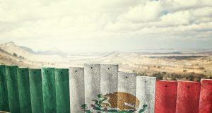 Amplían programa para enviar a México a personas que buscan asilo