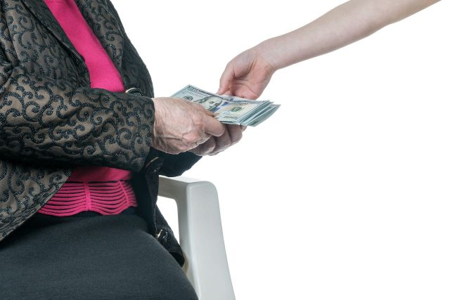 Abuelos y personas en áreas rurales podría recibir más dinero en su reembolso de impuestos
