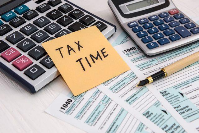 Consejos sobre lo qué puede hacer antes de presentar su declaración de impuestos