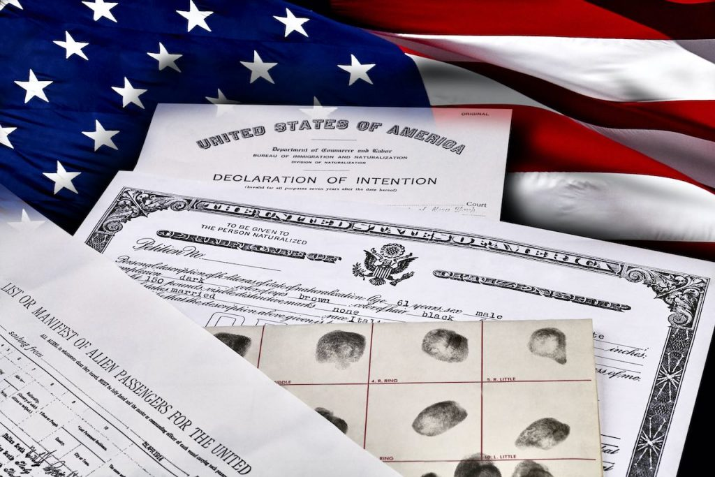 Todo lo que necesita saber sobre la nueva política contra inmigrantes que reciban programas de ayuda