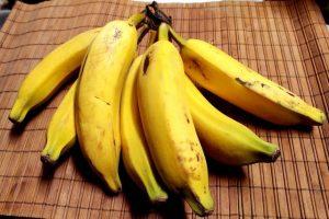 Brazo gitano de plátano relleno de jamón y queso