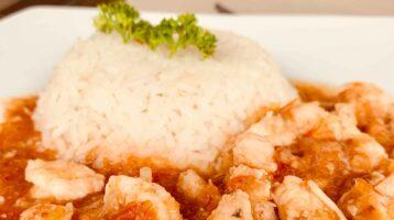 camarones enchilados con arroz
