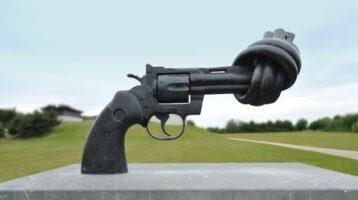 Las tensiones sociales están escalando peligrosamente hacia el lado de la violencia